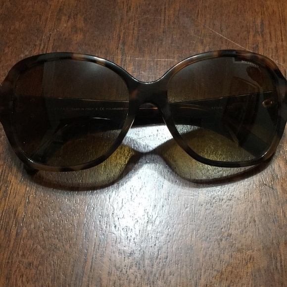 615f7a37223b Versace Women s Sunglasses. M 5a4b273b3800c58de407ce2e. Other Accessories  ...